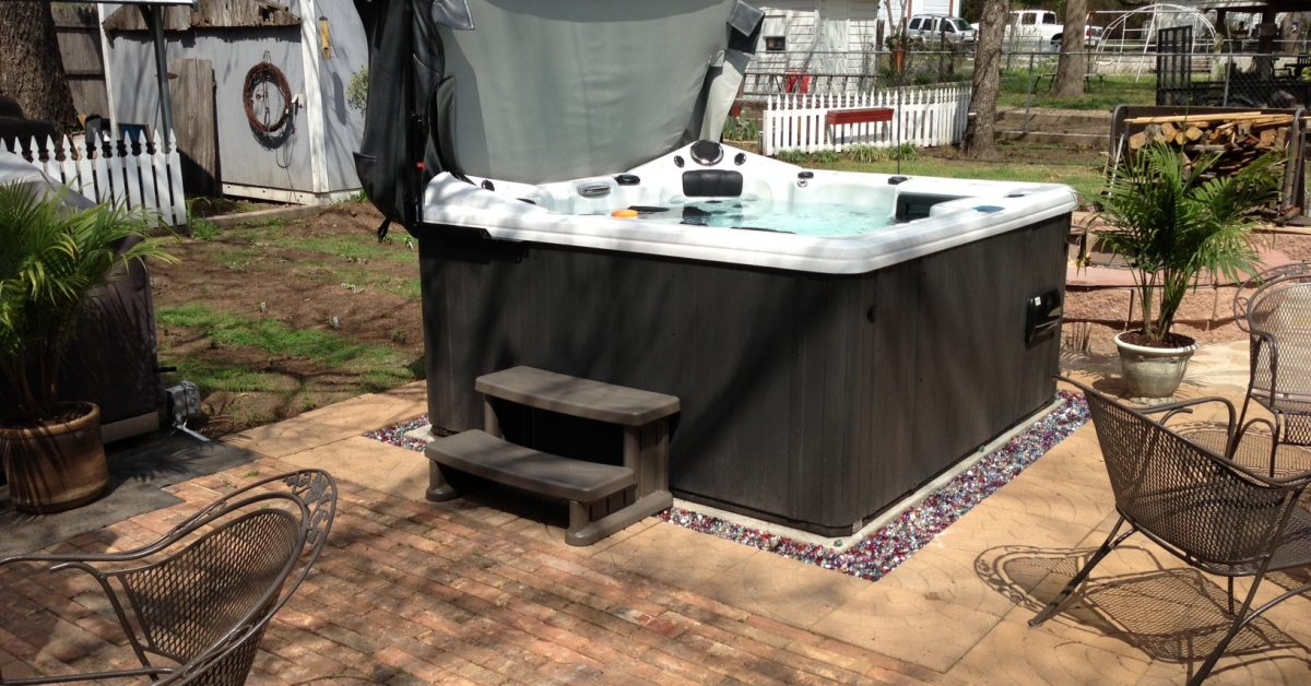 Tips for How to Use A Hot Tub in Summer