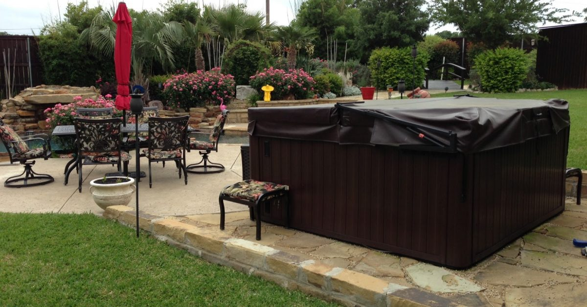 landscaping tips for your hot tub